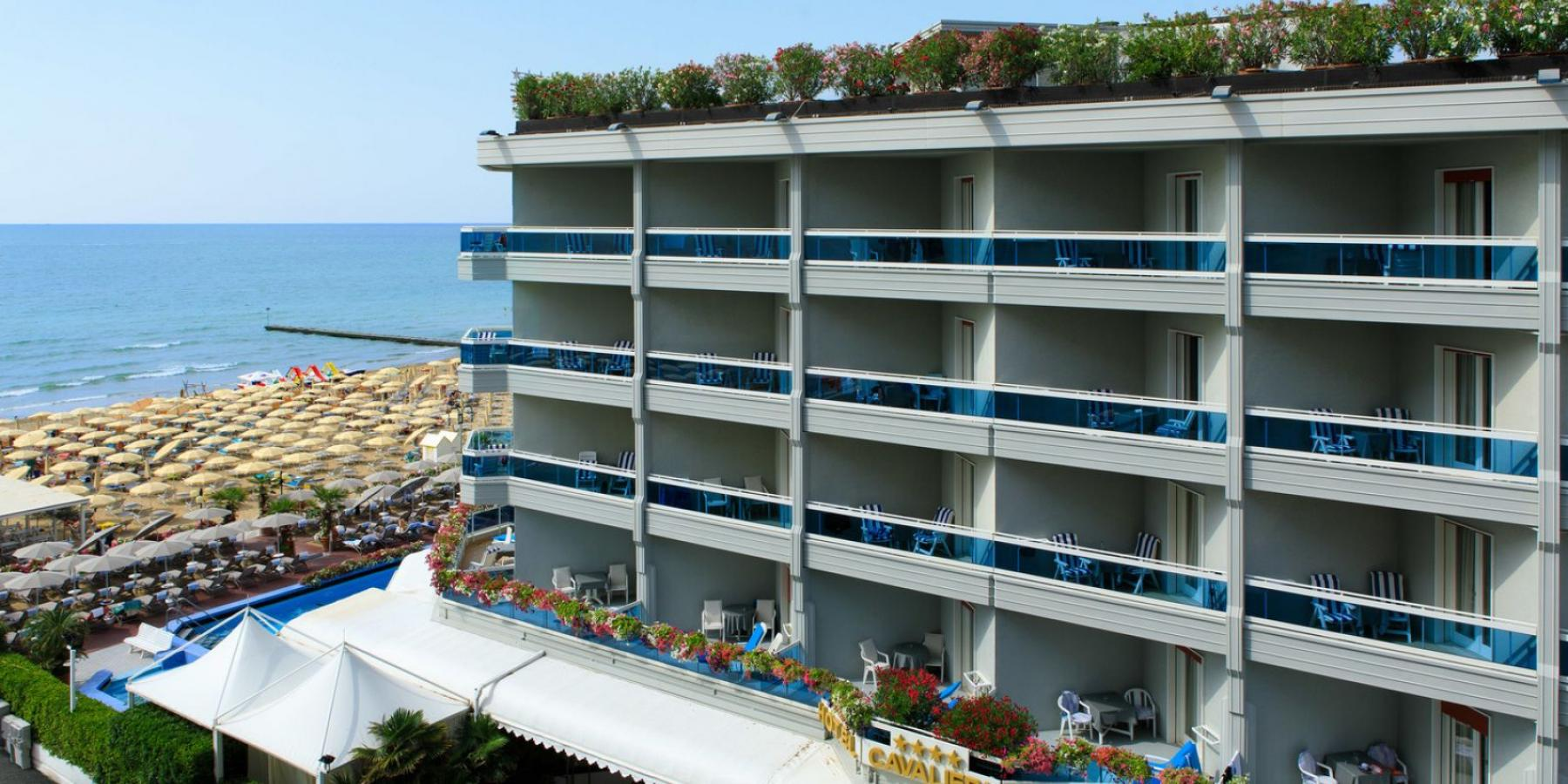 hotel 4 stelle fronte mare Cavalieri Palace